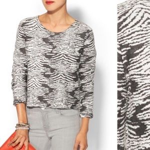 TOWNSEN gray and white cropped sweater